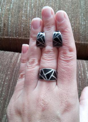 Набор серебряный сережки кольцо