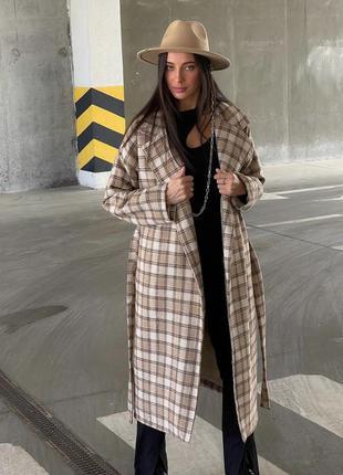 Женское бежевое утеплённое шерстяное пальто в клетку