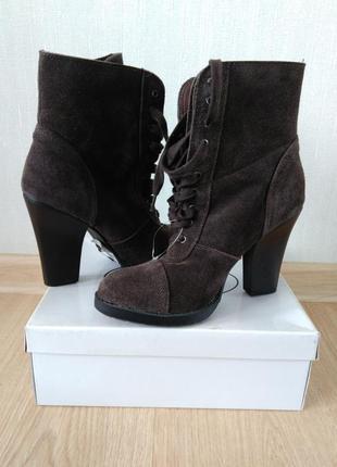 Ботинки на шнуровке р 39