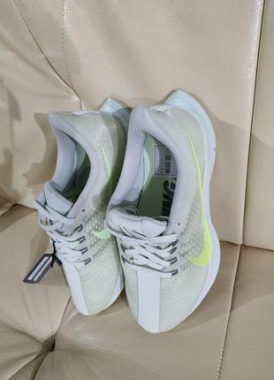Кросівки стильні, зручні, бігові nike