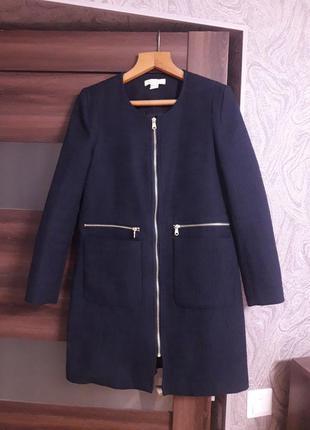 Фактурное легкое пальто
