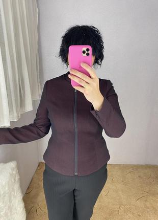 Стильный пиджак на молнии