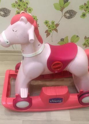 Лошадка- каталка chicco