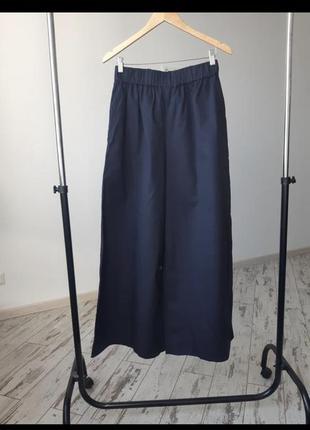 Широкие брюки на резинке cos