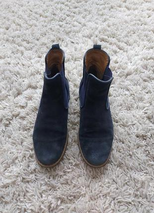 Estro замшеві чобітки