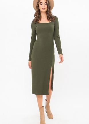 Женское трикотажное в рубчик платье миди цвета хаки сукня міді трикотажна