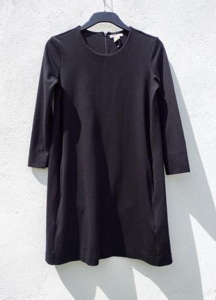 Чёрное короткое платье с карманами из плотной ткани h&m