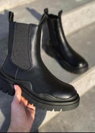 Ботинки чесли демисезонные ботинки на грубой масивной подошве