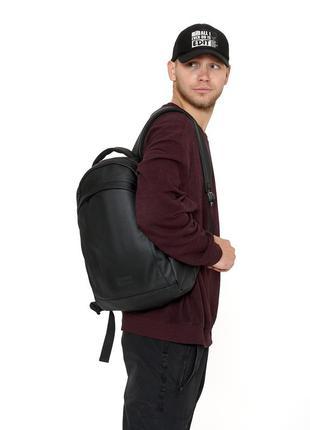Черный мужской спортивный вместительный удобный  рюкзак