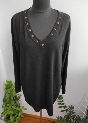 Элегантный свитер с v образгым вырезом 22-24 р от 7