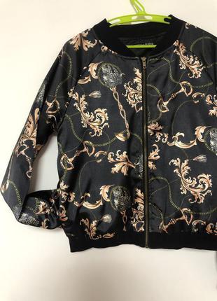 Бомбер ветровка легкая куртка атласная принт версаче