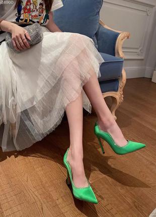 Потрясающие зеленые туфли в стиле amina muaddi муади