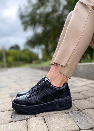 Женские чёрные кожаные кроссовки/натуральная кожа.