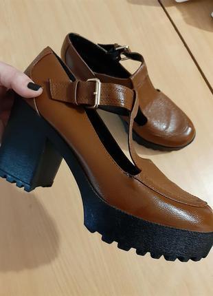 Стильные ботинки большого размера 42