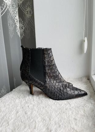 Новые кожаные ботильоны to be too змеиная кожа шпилька лодочки
