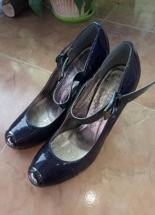 Шикарные туфли на шпильке 38размер