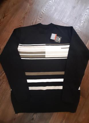 Мужской чёрный свитер l-xl