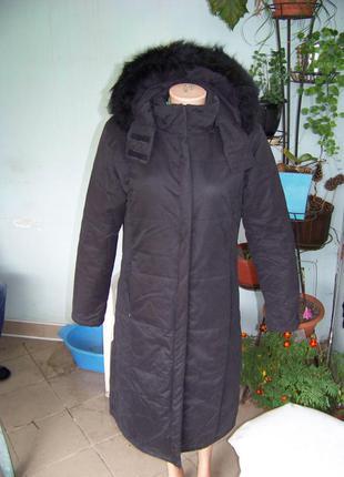 Женское демисезонное пальто черное прямого кроя со съемным капюшоном collouseum lm