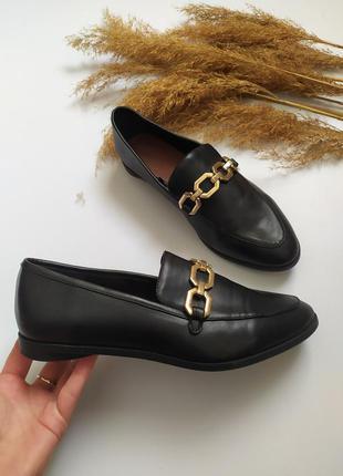 Туфли лоферы на низком ходу с металлической пряжкой от h&m