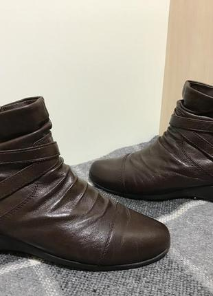 Женские кожаные ботиночки footglove