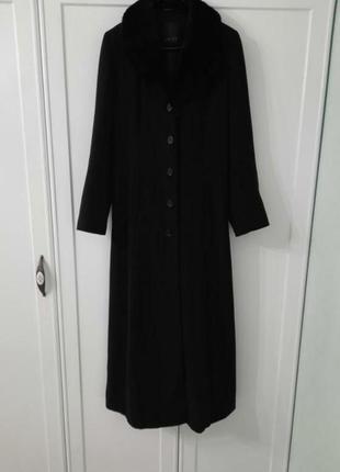 Шерстяное чёрное пальто в пол amisu.