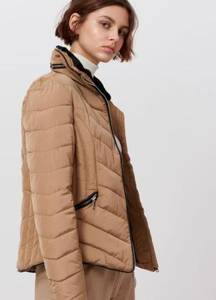 Куртка жіноча, розмір s