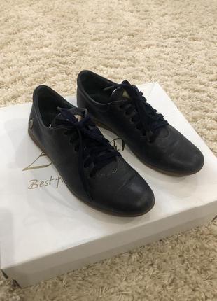 Кожаные туфли на мальчика темно-синие лоферы