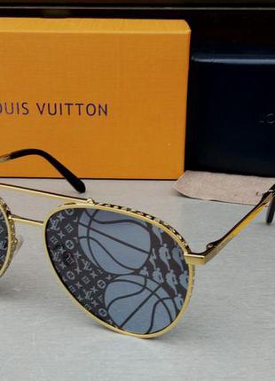 Louis vuitton стильные женские солнцезащитные очки черно серые с логотипом бренда зеркальные в золоте