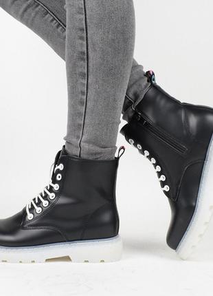 Демисезонные женские ботинки / на флисе / теплые
