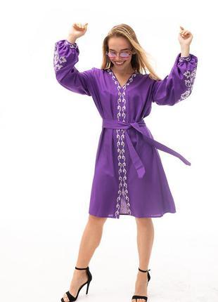 Платье-вышиванка с цветами гладью расклешенное фиолетовое