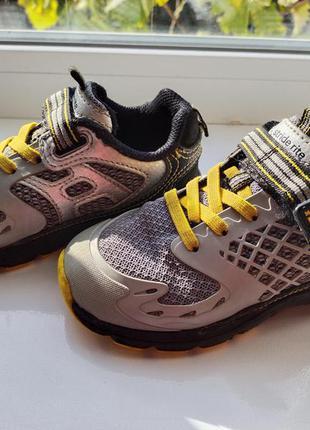 Фірмові кросівки stride rite
