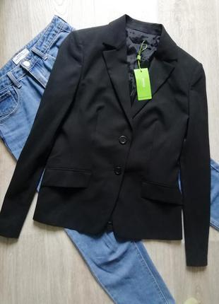 Женский чёрный удлинённый пиджак, жакет, блейзер