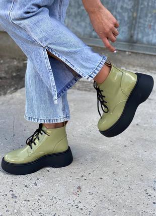 Лаковые ботинки на платформе в164-03