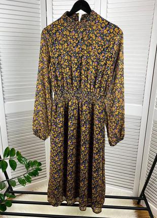 Черное шифоновое миди платье в желтый цветочный принт