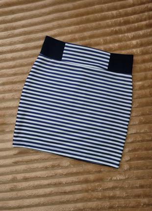 Мини юбка в полоску