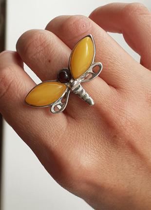 Серебряное кольцо бабочка с янтарём