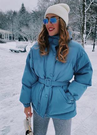 Стильна жіноча зимова куртка