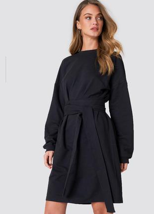 Новое оверсайз платье с длинным рукавом na-kd