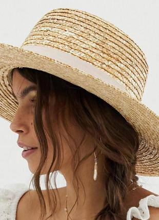 Шляпа-канотье с широкими полями