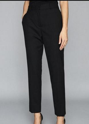 Стильные укороченные зауженые брюки слим классика