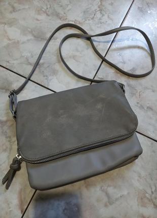 Базовая сумочка кросбоди