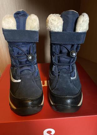 Продам ботинки новые зыма  детские