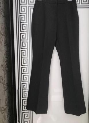 Штани чорного кольору розмір виробника 6 👖