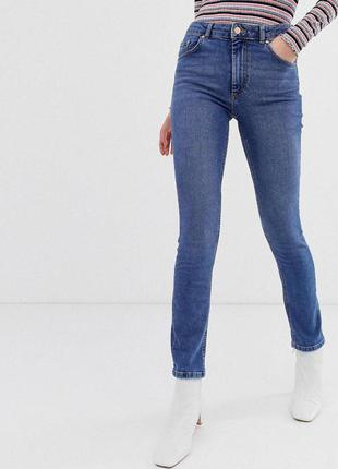 Зауженные джинсы с завышенной талией zara