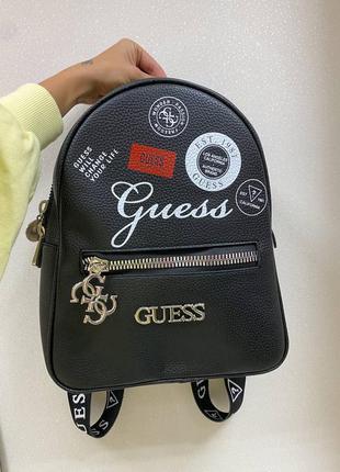 Рюкзак в стиле guess