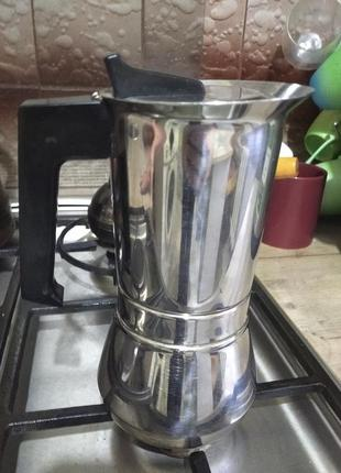 Гейзерная стальная кофеварка на 300мл италия для всех видов плит