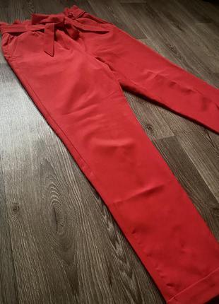 Брюки штаны со стрелкой красные