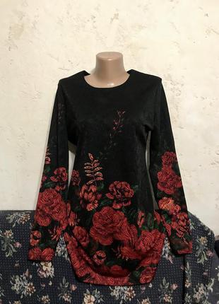 Платье мини прямого кроя свободное чёрное в красную розу с цветочным принтом