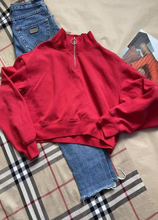 Яркий свитер свитшот
