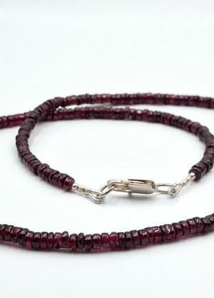 Ожерелье из натурального граната